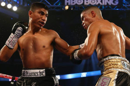 WBO Super Featherweight Champion Mikey Garcia (left)