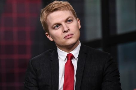 photo: 'Ronan Farrow' | (Credits: Getty Images)