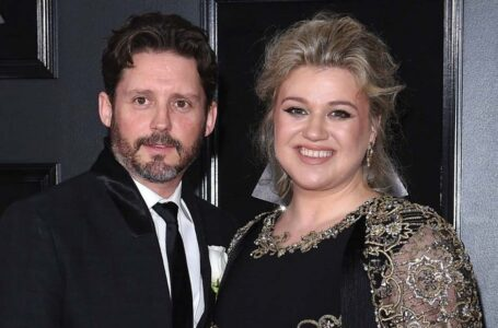 Kelly Clarkson and Brandon Blackstock (Credit: Getty Images)